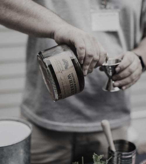 Whiskey Shot Pour